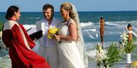Heiraten in Florida Brautpaar mit Standesbeamtin