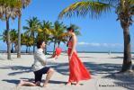 Heiratsantrag mit rotem Herz