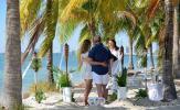 Florida-Hochzeiten am Strand von Key Biscayne mit Skyline von Miami