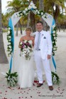 Florida-Hochzeiten Kiss by a Rose in Aqua Blue